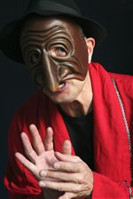 Panetlone Commedia Mask